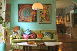 Bạn có thể sử dụng cách màu sắc bắt mắt hơn dựa trên phông nền màu nhè nhàng ngọc bích, phối hợp đồ dùng nội thất đặc trưng của phong cách Vintage.