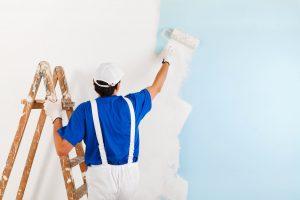 Dùng sơn chống thấm khắc phục tình trạng thấm nước, vừa tút lại vẻ ngoài của bức tường
