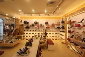 Thiết kế showroom giày nhỏ đẹp