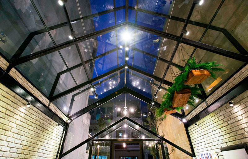 quán cafe nhà kính ánh sáng