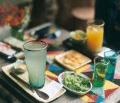 Ý tưởng mở quán café với món nước giá rẻ có thu hút khách hàng?