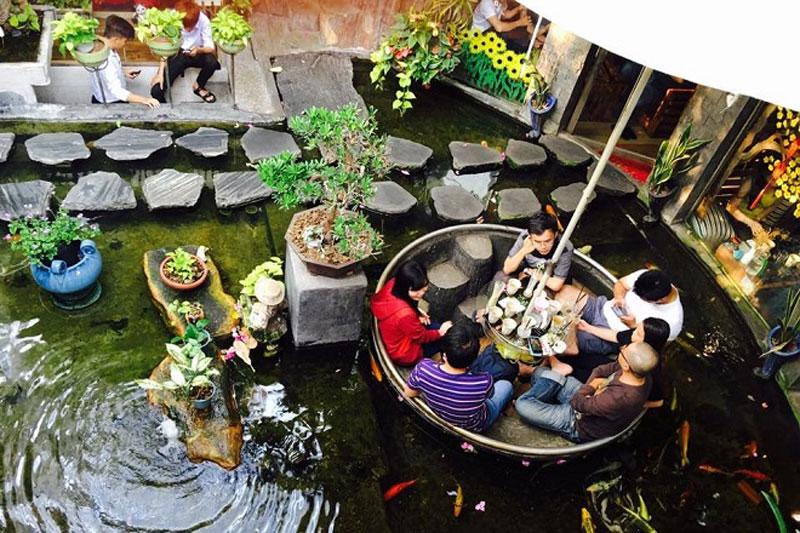 mô hình quán cafe cá koi 2