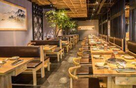 Những điều kiện mà nhà hàng có như thiết kế không gian nhà hàng đẹp sẽ góp phần tạo nên ấn tượng cho khách hàng.