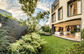 Một ngôi nhà có ngoại thất tốt, phù hợp thì sẽ giúp gia chủ phát triển cực kỳ hưng thịnh. Vì thế, cần xem xét yếu tố phong thủy nữa nhé.